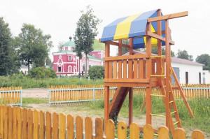 2013_08_07_Детский городок у Вознесенско-Георгиевского храма