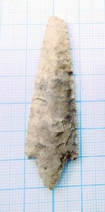 креиневый наконечник дротика. 20-й век до н.э.