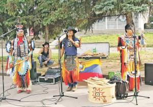 03_Фолк-группа «Harawi Inkas» выступает в Рыбинске