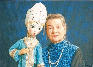 Прокофьева В.А. с куклой Алёнушкой (2)