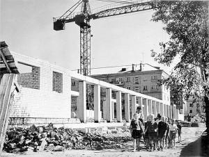 Строительство дома на пр.Ленина с магазином «Книжный мир», 1965 г.