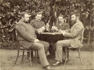 На фотографии: И.И. Дурдин, Д.В. Дебольский, П.А. Переславцев, П.П. Стеблов за карточной игрой.
