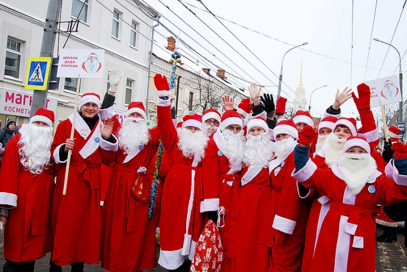 Стала известна дата основного  парада Дедов Морозов страны