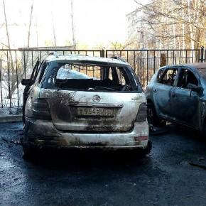 Поджог автомобиля в Рыбинске: полиция ищет преступников