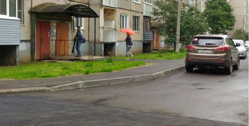 двор на ухтомского