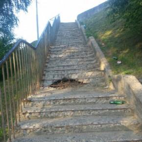 Неаварийная опасная лестница